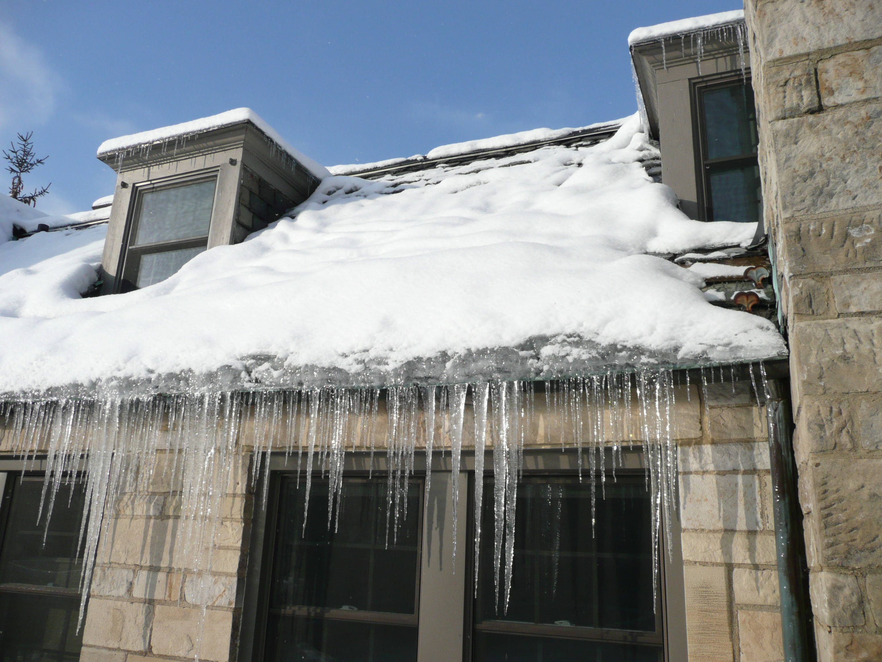 , Three Easy Steps to Prevent Ice Buildup From Damaging Your Roof