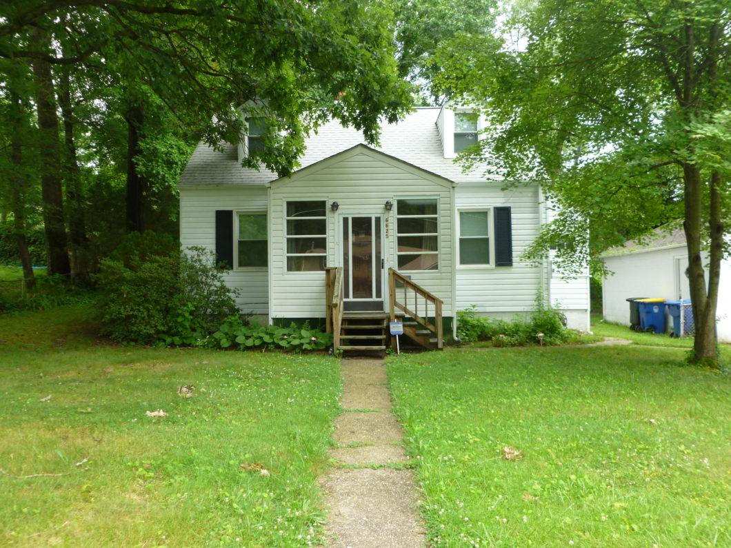 6625 Pine Grove Dr, Morningside, MD 20746